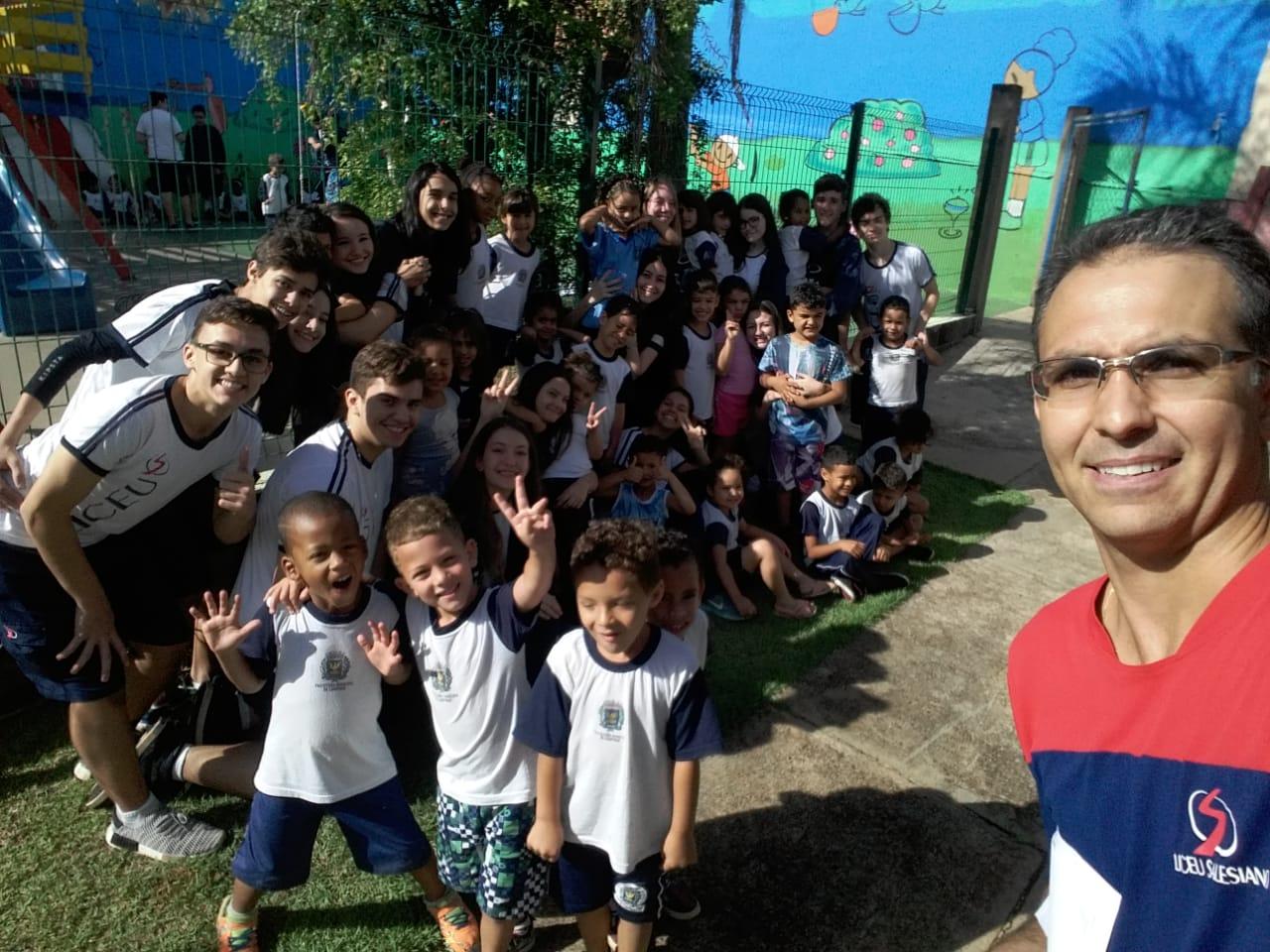 Alunos dos 9ºs anos realizam ação social em Lar Jesus de Nazaré