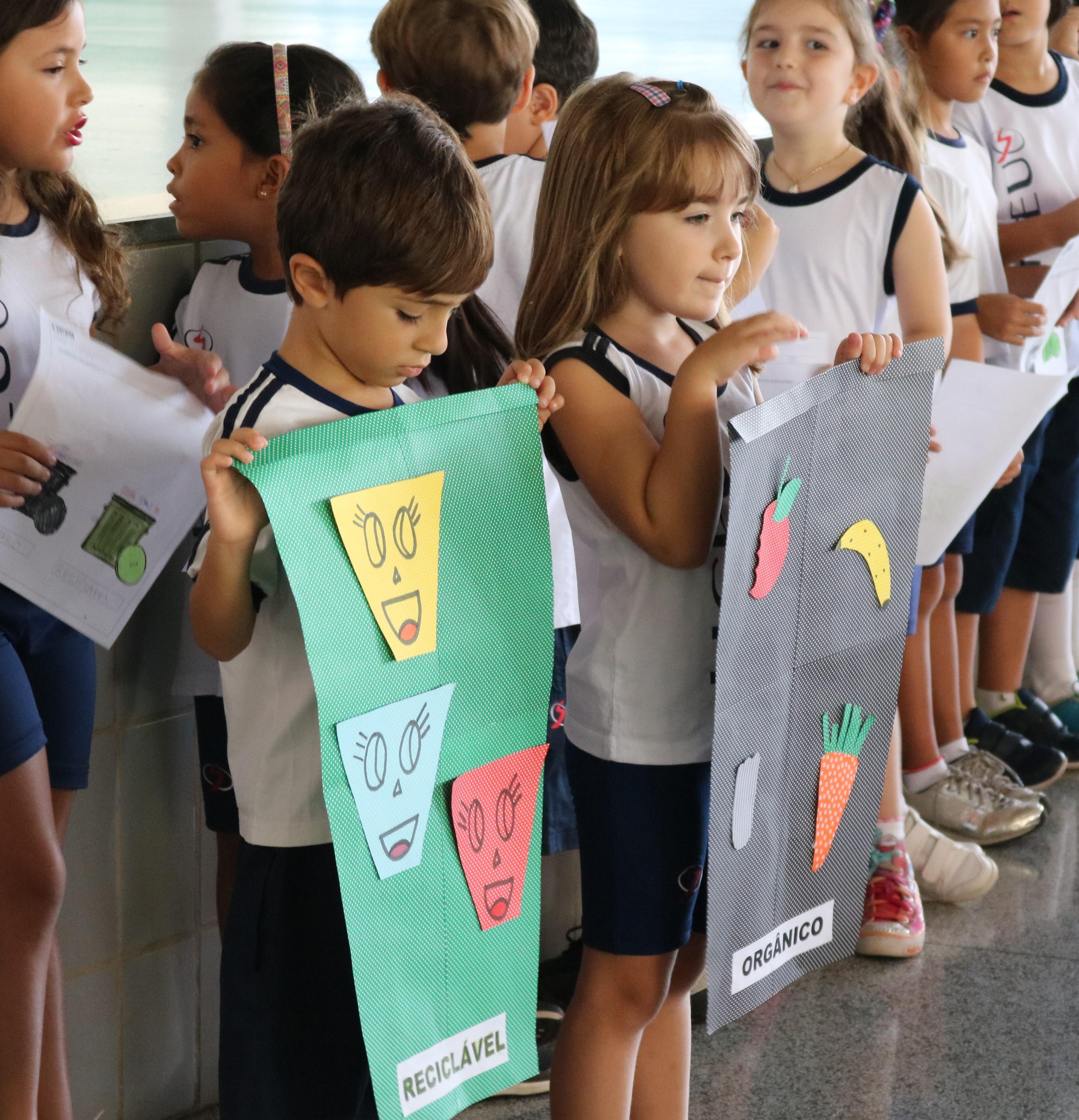 Consciência ambiental no Ensino Fundamental 1: alunos apresentam as novas lixeiras