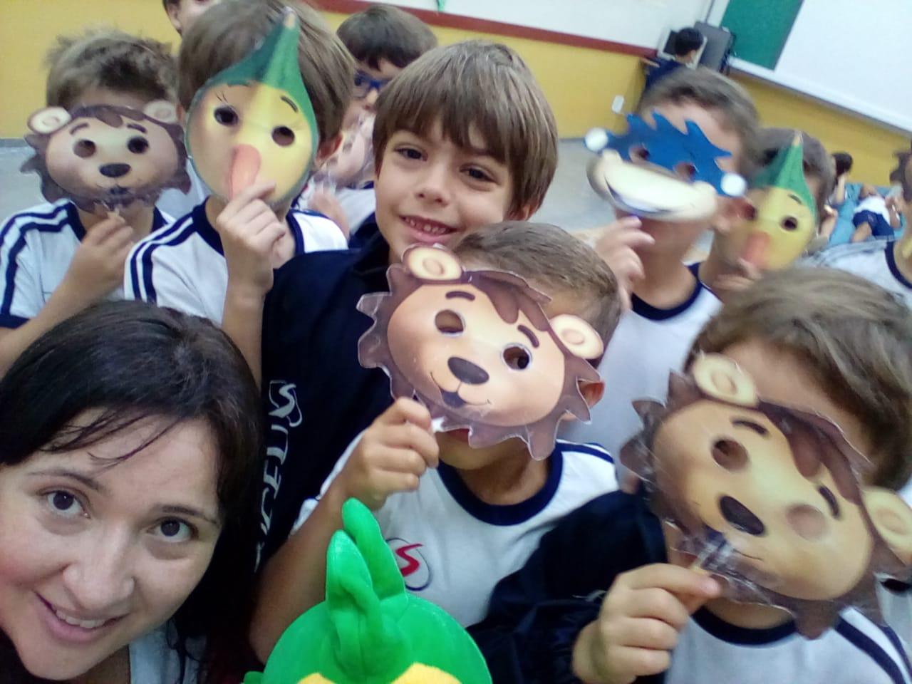 Alunos do ensino Fundamental I aprendem inglês brincando!